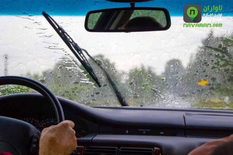نکات رانندگی در هوای بارانی و جاده های لغزنده