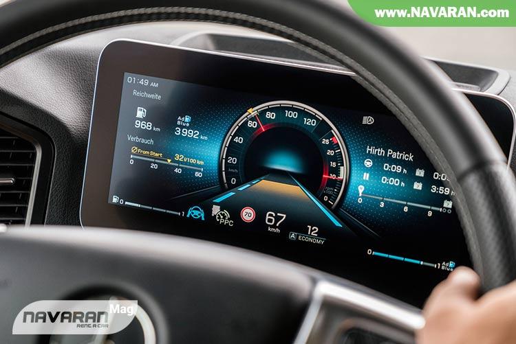 تصویر رانندگی با کروز کنترل